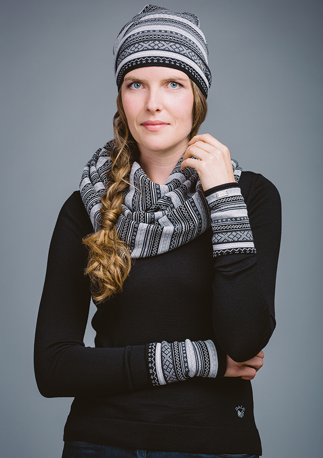 Accessories for women - VINJE HAT - Dale of Norway